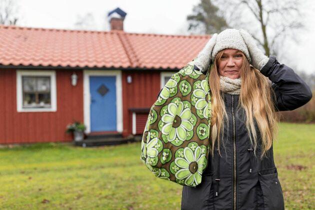 Christin älskar sitt nya, enkla liv i torpet - där hon minskat ned sina kostnader till ett minimum.