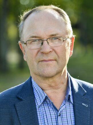 """""""Genom att inte handla lokalt sågar Umeå kommun av den gren den sitter på säger Arne Lindström, LRF Västerbottens ordförande."""