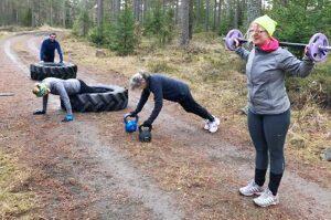 När det är långt till gymmet gäller det att vara kreativ. Foto: Caroline Petersson