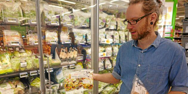 Eko och färdighackat trendar i grönsaksdisken