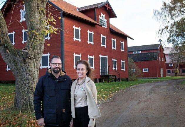 Carl Hans och Maria Wachtmeister på Wambåsa gård där hälften av godsets odlingsarealer finns.