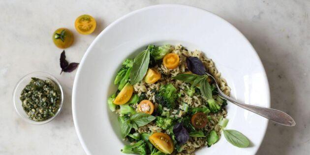 Risoni med broccoli och hemmagjord pesto