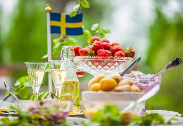 Vid sidan om julen är midsommar den kanske viktigaste högtiden i Sverige. Men vad är det egentligen vi firar? Och varför?