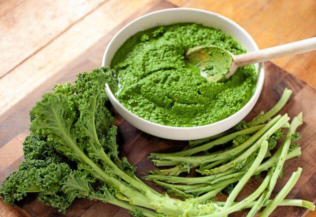 Pesto av grönkål är en riktig höjdare till exempelvis grillade grönsaker.