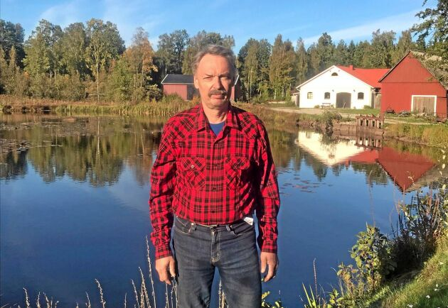 Bengt Persson, 60, har efter en femårig process fått klartecken att behålla dammen och sitt vattenkraftverk i Lyckebyån utanför Rödeby.