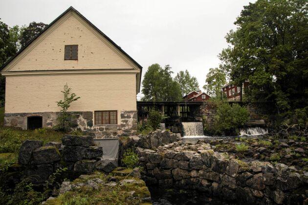 Järle Kvarn är en del av en kulturmiljö som ända sedan medeltiden kretsat kring uppdämt vatten.