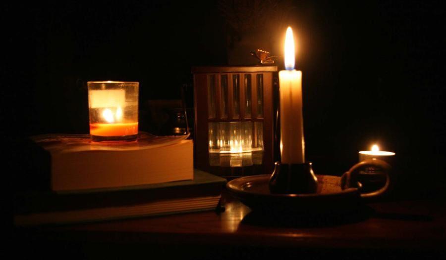 Land.se tipsar om hur du kan utrusta ditt hem för ett strömavbrott.