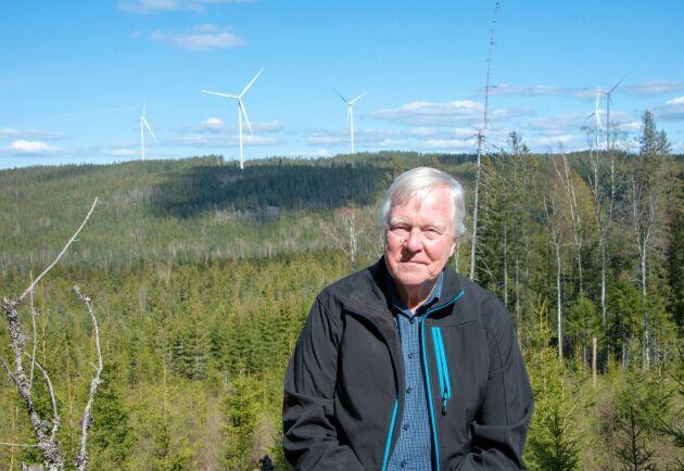 I mer än tio år har Bertil Forsberg arbetat för att få vindkraftverk på sin skog i Sunne kommun. Nu är målet nått.