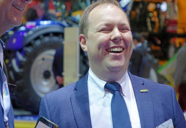 Mark Howell, produktchef på New Holland är stolt över den nya biogastraktorn.