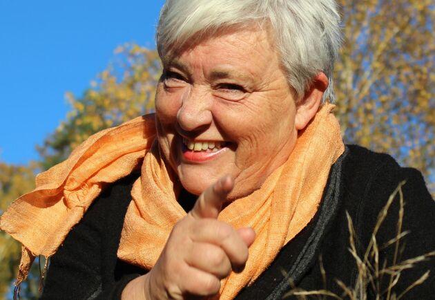 70 procent av sin arbetstid lägger Helen Andersson på företaget Singel i Sverige. Dessutom sysslar hon med skogsbruk, stuguthyrning och kräftfiske. Tidigare drev hon företaget Torsåsens Fågelprodukter.