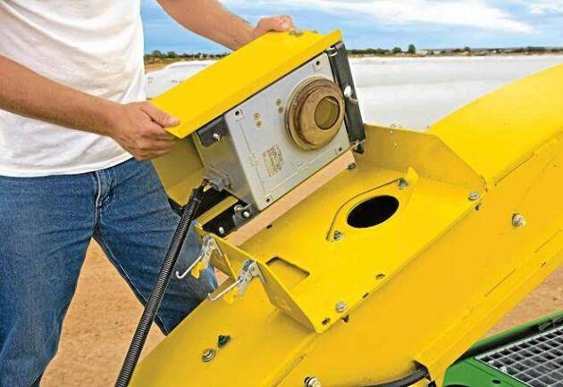 Sensorn är bara några decimeter lång och kan enkelt flyttas mellan olika maskiner.