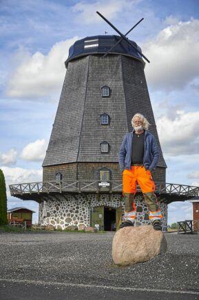 Ulf Järgren byggde sin gigantiska mölla i skånska Olstorp nästan helt på egen hand.