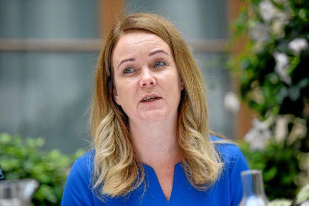 Landsbygdsminister Jennie Nilsson (S) hoppas hitta en lösning på den regelknut som gör fossilfritt dyrare.