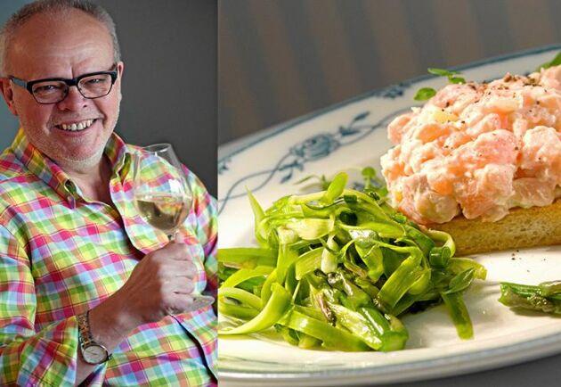 Håkan Larssons festliga smårätt med sparris och lax är enkel att göra och smakar underbart.