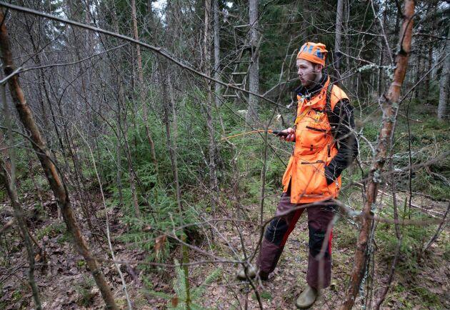 """Areal. Skolan förfogar över 3 000 hektar mark där viltet måste vårdas. """"Jag brinner för jakt och vill jobba med jakt och allt runt omkring, som skogsbruk och viltvård"""", säger Isak Gustafsson."""