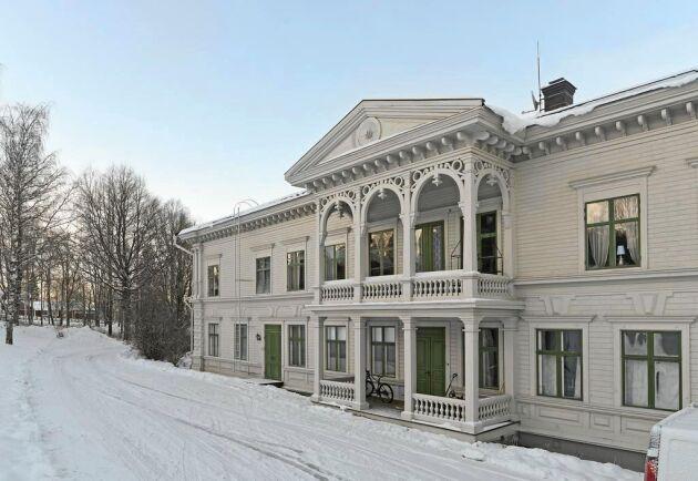 Åströmska gården är något av ett landmärke i Vindeln.