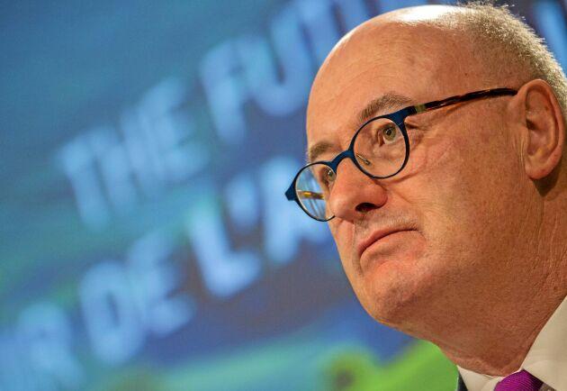 Jordbrukskommissionär Phil Hogan föreslår att Cap förlängs 2021 ut.