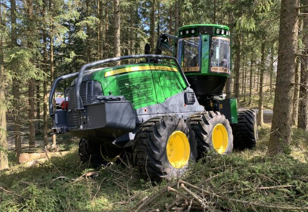 J Carlssons Skogsentreprenads nya skördare är en John Deere 1170G.
