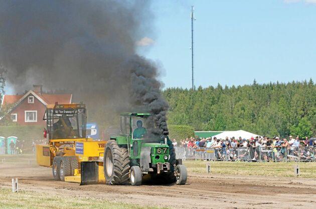 Deutz Super6 på traktorpullingen utanför Enköping.
