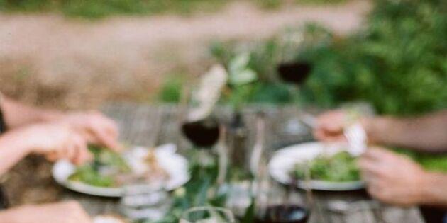 Så dukar du för fest – 11 tips på somriga dukningar