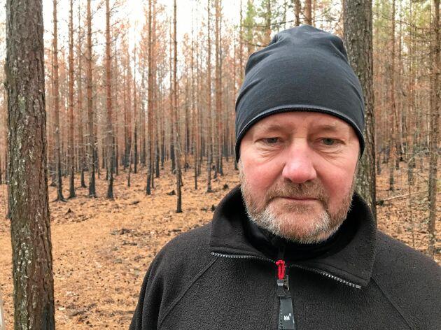 Rolf Sundell är en av de skogsägare i området kring Kårböle som drabbades av skogsbrand.