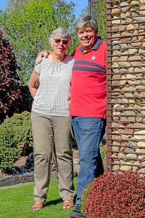 Vivianne och Gunnar har många olika tibastarter i sin trädgård i Finspång.