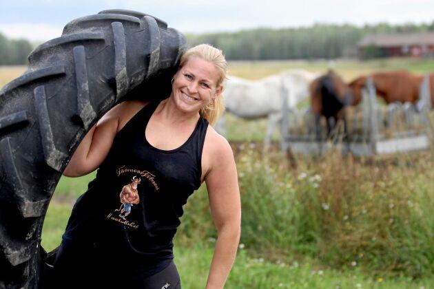 Lina Noaksson, den råstarka kvinnan bakom FarmersFitness, tränar gärna i flipflops.