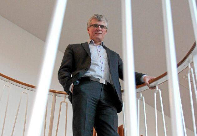 Lägre spannmålspriser och foderpriser betyder att omsättningen i kronor blir mindre, säger Svenska Foders VD Carsten Klausen.