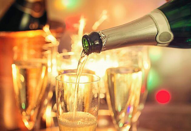 Gott vin höjer middagen till nästa nivå. Här är bästa tipsen till nyår!