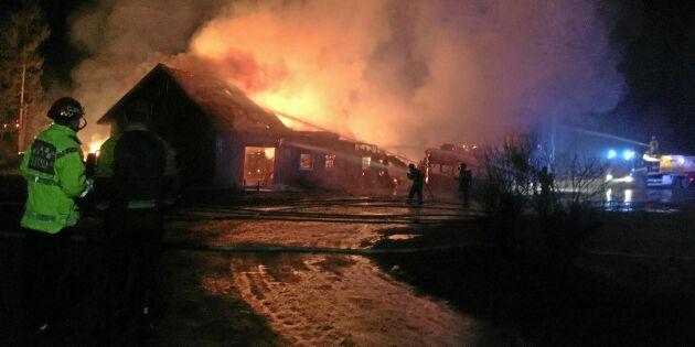 Branden tog både djur och ladugård
