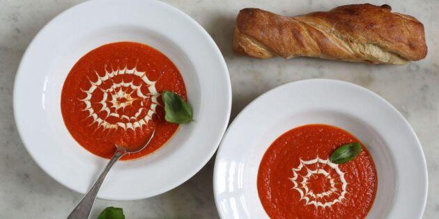 Enkel och krämig tomatsoppa – så gör du