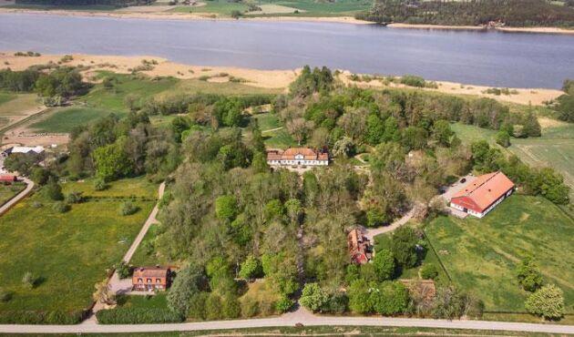 Den mycket påkostade herrgården Hessle är till salu för 95 000 000 kronor.