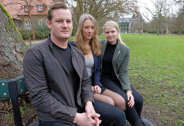Svenska råvaror borde vara en självklarhet på SLU, anser Lars Johansson, lantmästarstudent Alnarp, Hanna Silwer, ordförande i Alnarps studentkår och Hedda Pålsson, ordförande för Alnarps lantmästarkår.