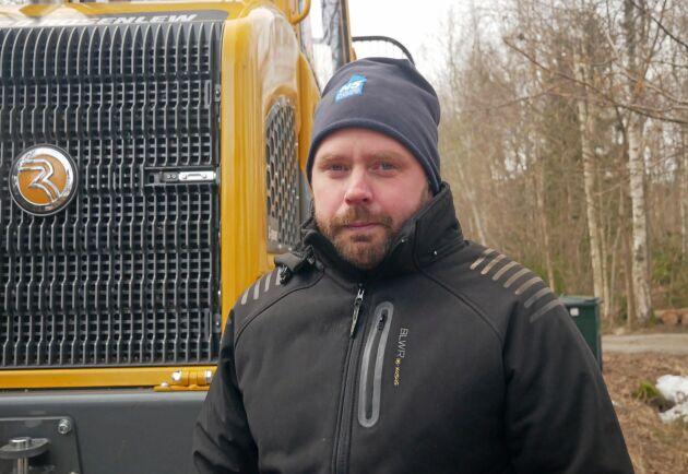 Roger Karlsson på Handens Skog är huvudförare på den nya skotaren.