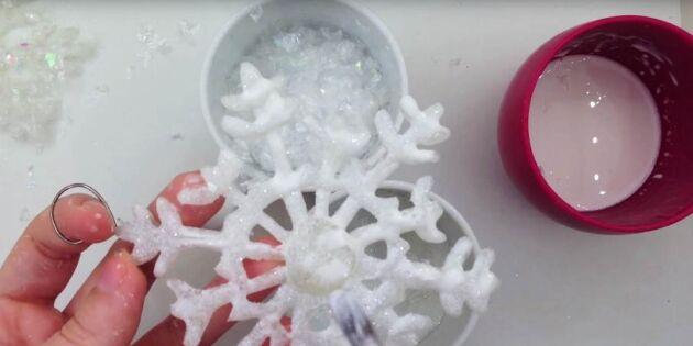 Gör vackra snöstjärnor med limpistol