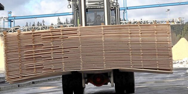 Virkesbrist bromsar svensk träförädling