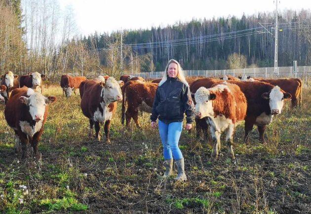 Annika Lövgrens djurtransport välte på väg 50.