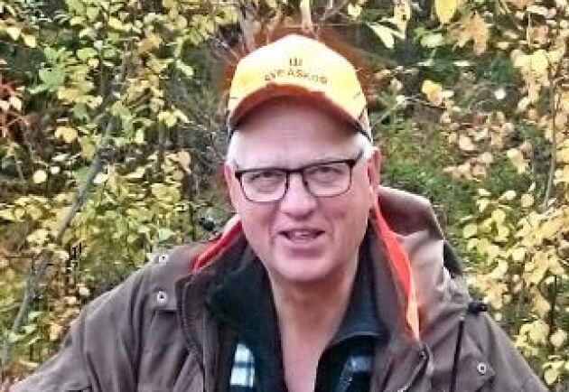 Anders Harr jobbar med jaktfrågor på Sveaskog. Han vill gärna se att vill jakttiden på älg förlängs i Norrbotten. Arkivbild.