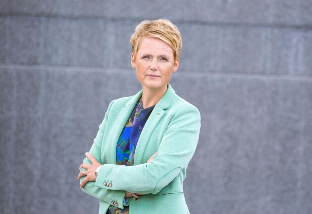 8 000 arbetslösa från andra sektorer kan få jobb inom lantbruket. Det budskapet kom LRF:s vd Anna Karin Hatt med till Tillväxtverket i dag.