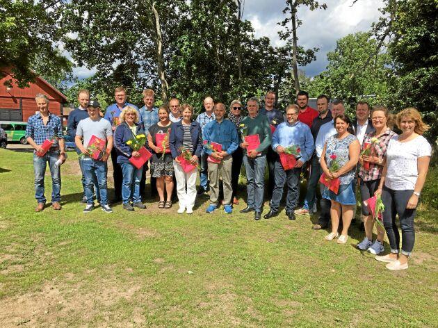 Några av pristagarna när Avelsföreningen för Svensk Holstein höll stämma i Tjust.