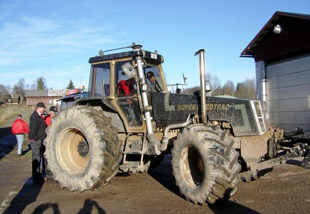 Den sista modellen av Swed-Trac, modell III, skulle tillverkas i Dorotea men det blev bara två halvfärdiga traktorer som köparna fick montera själva. Denna traktor är i drift.