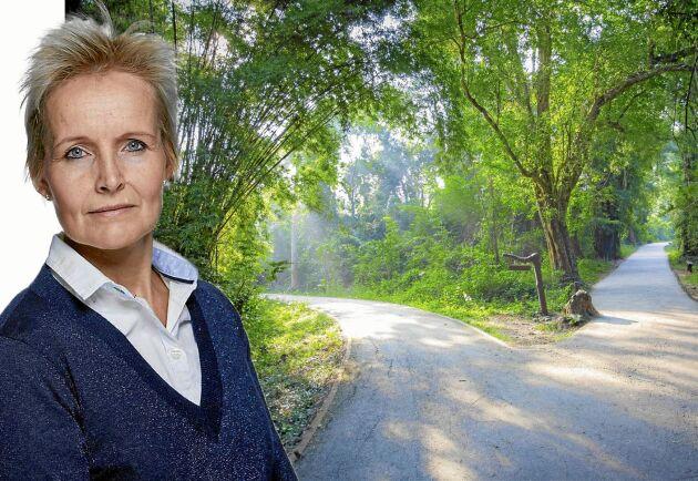 Ett vägskäl för Sverige – det står vi inför menar Lands krönikör Malin Ackermann.