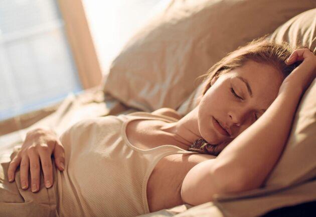 Sov sött och vakna utvilad trots värmen. Med några enkla medel går det faktiskt riktigt bra.