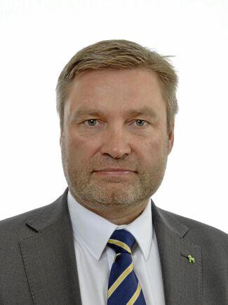 Peter Helander, Centerpartiet, är ledamot i näringsutskottet.