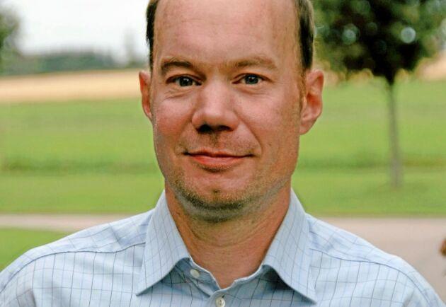 Lantbrukaren Christian Olsson drog i gång räddningsarbetet efter att markägaren larmat honom på tisdagskvällen.