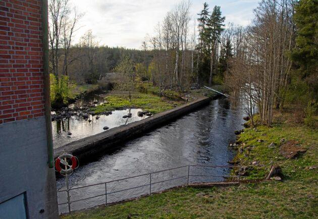 Uppdraget är att klassa ett vatten som kraftigt modifierat om det finns skäl för det, skriver Sandra Brantebäck.