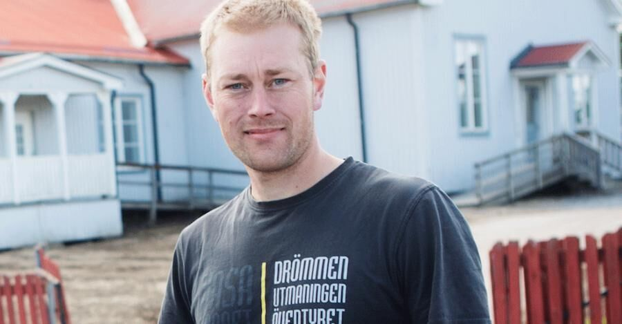 Björn Hänninen, från Åmotsbruk. har fått extraknäck som skogs- och träningsguide åt turister.