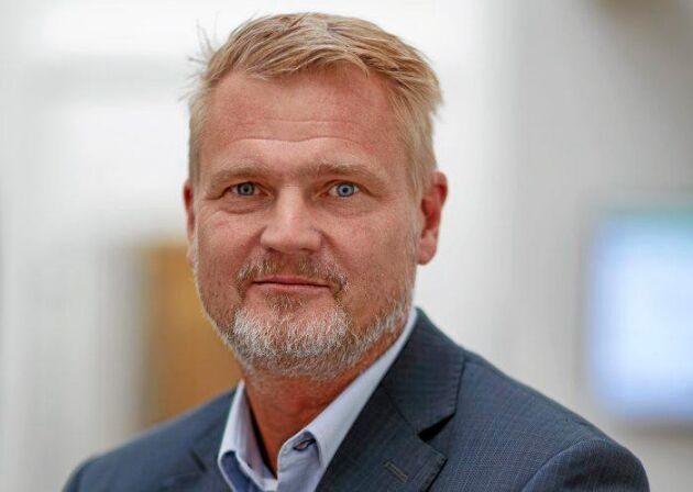 Arlas VD Patrik Hansson efterlyser hjälp från bland andra VD för att få fart på ekoförsäljningen inom mejeri igen.