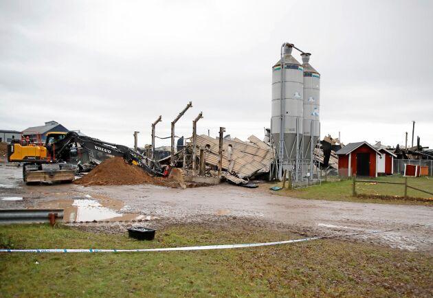 En ny ladugård hade börjat planeras redan före branden. Nu hoppas Vretas rektor att frågan ska kunna snabbehandlas.