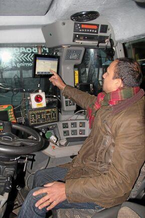 Peter Borring valde att låta traktor-GPS-ens skärm via ISObuskontakten styra den nya gödselspridaren.